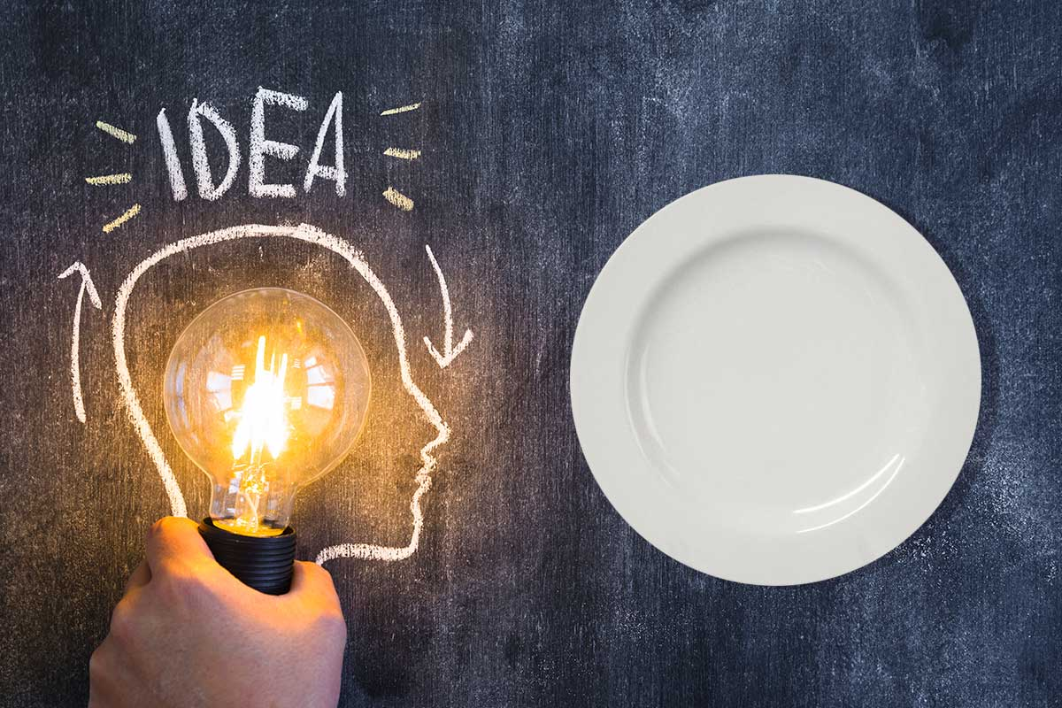 Formas ingeniosas de engañar a tu cerebro para evitar comer de más
